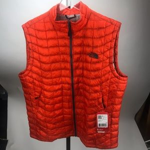 New The North Face Thermoball Vest Large